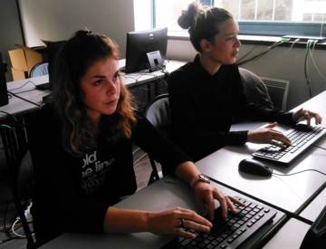 Gabrielle et Gladys, psychomotriciennes, travaillent au sein d'un IME (Institut médico-éducatif) de la région parisienne. Elles ont répondu en direct à toutes vos questions.